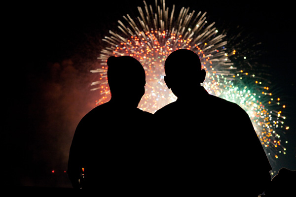 0519-0907-0612-5720_barack_and_michelle_obama_watch_fireworks_over_the_national_mall_o.jpg